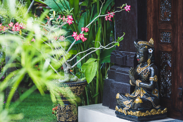 How to create your own Balinese garden paradise at home